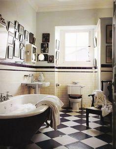 Schon Schwarz Und Weiß Geflieste Badezimmer Deko Ideen #Badezimmer Weiße  Badezimmer, Badewanne, Schlafzimmer Schreibtisch
