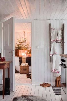 For the swedish magazine Lantliv 2015 I Stylist Johanna Flyckt Gashi Photo Lina Östling Swedish Decor, Swedish Style, Swedish House, Swedish Christmas, Scandinavian Christmas, Christmas Home, Scandinavian Interior, Scandinavian Style, Swedish Interiors