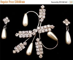 On Sale Brooch Earrings Set Vintage Demi by TheJewelryLadysStore