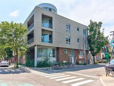 * THE WALDMAN * 'Design' condo 2012 on 2 floors with private entrance. Bright with large windows and open concept living space. Kitchen with bar-island, quar. Mont Royal Montreal, Real Estate Broker, Condos For Sale, Large Windows, Beautiful Bathrooms, Condominium, Open Concept, Entrance, The Neighbourhood