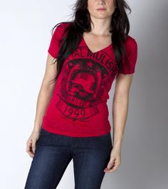 COLOR:RED BANNERISTA VNECK - love this Tee.