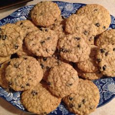 http://www.tinynewyorkkitchen.com/perfect-blueberry-oatmeal-cookies/