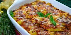 Lidia Bastianich's stuffed shells are great for feeding a crowd The post Lidia Bastianich's Baked Stuffed Shells appeared first on Woman Casual - Food and drink Lidia's Recipes, Pasta Recipes, Italian Recipes, Cooking Recipes, Italian Chef, Italian Foods, Italian Pasta, Italian Cooking, Cooking Ideas