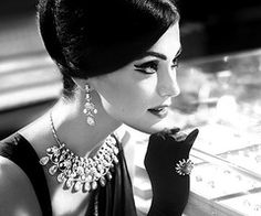 LOVE LOVE old Bollywood glam!