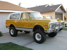 Chevrolet automobile - good picture