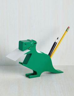 Este dispensador de cinta adhesiva y porta lápices dos-en-uno para una vista perfecta en tu escritorio: