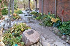 Iowa Arboretum, Madrid - This garden contains hundreds of species of trees, shrubs and flowers in a quiet scenic setting. This living museum offers something for visitors of all ages and interests.
