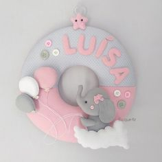 Felt Name Banner, Name Banners, Baby Room Decor, Nursery Decor, Baby Crafts, Diy And Crafts, Baby Door Wreaths, Baby Mobile, Diy Gift Box