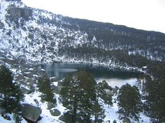 Laguna Negra, picos de Urbión, província de Soria, Castela e Leão, Espanha.  - Wikipédia, a Enciclopédia Livre.