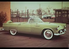 Photographs of the 1956 Ford Thunderbird. An image gallery of the 1956 Ford Thunderbird. Ford Thunderbird, Ford Mustang, Ford Gt, Super Sport Cars, Super Cars, My Dream Car, Dream Cars, Elvis Presley, Cadillac