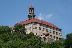 Česko, Náchod - Zámek Prague, Europe Photos, European Vacation, Old City, Best Cities, Czech Republic, Cool Places To Visit, Travel Guides, Countryside