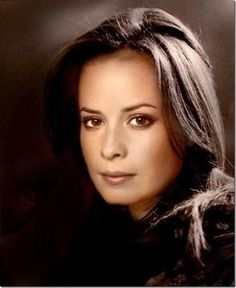Régi képek Holly-ról - 482194098 l - My Gallery - Photo Gallery Holly Marie Combs, Pretty Little Liars, Charmed Tv Show, The Good Witch, Ann Margret, Hot Brunette, Alyssa Milano, Celebrity Photos, Celebrity Style