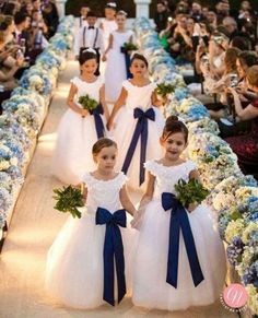 Blumenmädchen Best wedding decoracion ceremony flower girls ideas Top Nutritional Tips to Suppor Wedding Dresses For Kids, Wedding Flower Girl Dresses, Wedding With Kids, Wedding Bridesmaids, Wedding Attire, Wedding Gowns, Bridesmaid Dresses, Navy Blue Bridesmaids, Wedding Colors