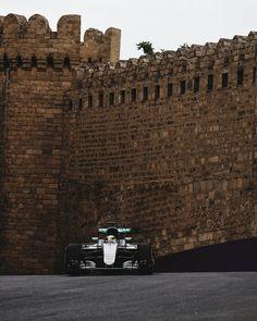 Lewis hamilton baku f1