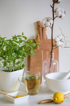 interieurblog | 6 keukentrends voor 2016 - interieurblog Kitchen Interior, New Kitchen, Alcoholic Drinks, Planter Pots, Urban, Make It Yourself, Plants, Kitchens, Design