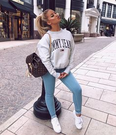 33 Spring Outfit Ideas For Teen Ready To Wear Now ideen sportlich elegant ideen sportlich schick ideen sportlich sommer ideen sportlich winter Teenager Outfits, College Outfits, Outfits For Teens, Teen Party Outfits, Teenage Outfits For School, Simple Outfits For School, Graduation Outfits, College Graduation, Holiday Outfits