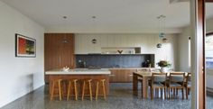 http://www.journal-du-design.fr/architecture/thornbury-house-par-mesh-design-38769/