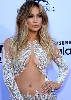 Jennifer Lopez Shows Cleavage as she arrives ate Billboard Music Awards Jennifer Lopez Bikini, Jennifer Lopez Photos, Billboard Music Awards 2015, Natural Lips, Look Younger, Girls Makeup, Bad Hair, Balayage Hair, Lip Colors