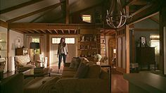 Spencer Hastings barn interior and upstairs loft Pretty Little Liars 7x04