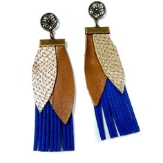 Boho royal blue fringes earrings with gold leather leaves ($20) ❤ liked on Polyvore featuring jewelry, earrings, gold jewellery, leather earrings, gold jewelry, bohemian jewelry and gold fringe earrings