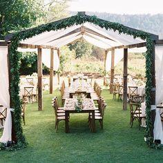 Gorgeous backdrop for Aly & Will's #CaliforniaWedding -- Planning, Design & Florals @aliciakdesigns -- Photography @_jessicaburke -- Catering @parkavenuecatering -- Music @entireproductions -- Lighting @illusionslightingdesign -- Tent @fivestarproductionsnapa -- Rentals @latavolalinen @classicparty @encoreeventsrentals @big4party #Regram via @caratsandcake