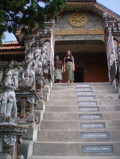 Buddihst Monastery, Brahma Vihara-Arama in Banjar close to villa semadhi