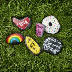 It's easy to make these DIY Painted Sentiment Rocks- Easy Rock Painting Ideas For Fun | Childern | Kids | Art #rock #painting #paintart #fun