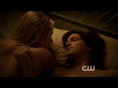 The 100 - Finn and Clarke bed scene 1x04 and kiss 1x05 - YouTube