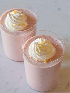 Strawberry Shortcake Shake. Recipe: http://www.spoonforkbacon.com/2012/02/roasted-strawberry-shortcake-shakes/