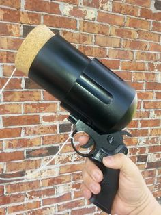 Harley Quinn Pop Gun Prop-don't know if this is functional, but it sure looks cool!