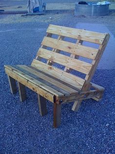 Pallets bench found onFlickr! Looks comfortable ! :) For other ideas of pallet chairs, you can find plenty of them on 1001Pallets.com !…