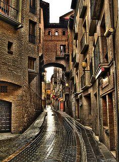 Suelo resbaladizo   Huesca, Spain
