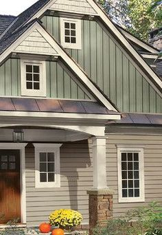 Top Modern Bungalow Design Board And Batten Siding Design Ideas, Pictures, Remodel, and Decor – page 9 House Siding, House Paint Exterior, Exterior Paint Colors, Exterior House Colors, House Roof, Exterior Houses, Siding Colors, Hill House, Farm House