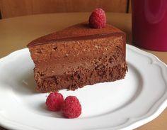 VÍKENDOVÉ PEČENÍ: Čtyřvrstvý čokoládový dort (bezlepkový)