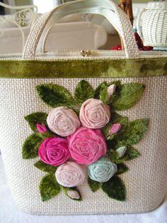 https://flic.kr/p/PXwMc | Vintage Purse with velvet roses