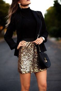 black long-sleeved turtle-neck top and brown glittered mini skirt Winter Skirt Outfit, Cute Winter Outfits, Skirt Outfits, Cute Outfits, Anna Wintour, Fashion Themes, Fashion Outfits, New Look Fashion, Outfit Invierno