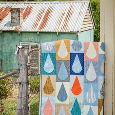 My Raindrops Quilt from my book, By The Bundle.   Would you like to make this quilt? @millrosequiltingandgallery have kits available that I hand selected when I visited last month, as well as copies the book. Send them an email and I'm sure they will hook you up!!