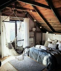 Why attic bedrooms are so cool? Today we share attic bedrooms full of beauty, we are sure that you'll want them as master bedrooms in your home. Dream Rooms, Dream Bedroom, Gypsy Bedroom, Fantasy Bedroom, Bohemian Bedrooms, Teenage Girl Bedrooms, Teenage Room, Cute Girls Bedrooms, Teen Girl Rooms