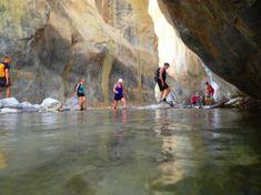 Appartementen accommodaties Kreta Griekenland 2021 covid19 vakanties Crete Holiday, Sun Holidays, Heraklion, Crete Greece, Going On Holiday, Photo Book, Hiking, Outdoor, Vacation