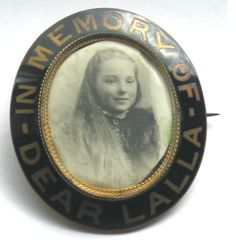 """Victorian Pinchbeck mourning brooch for """"Dear Lalla"""""""