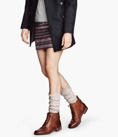 Socks - Cute Sock Trends, Socks And Sandals H&m Fashion, Winter Fashion, Fashion Outfits, Womens Fashion, Amo Jeans, Socks And Sandals, Winter Stil, Dr. Martens, Dress To Impress