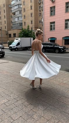 Wedding Dress Bustle, Civil Wedding Dresses, Wedding Gowns, Maternity Wedding Dresses, Ball Dresses, Ball Gowns, Evening Dresses, Prom Dresses, Formal Dresses