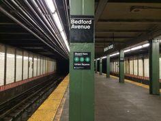 Rogue Sign-Maker Hacks NYC Subway for Efficient Boarding @ nymetro.com