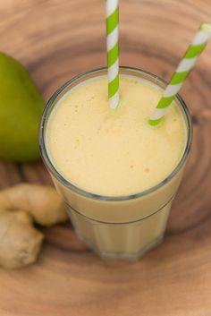 Get the three best mango smoothies - with no sugar added on www.ohhappydane or Facebook