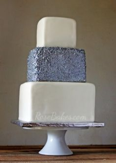 silver sequins square wedding cake 2017