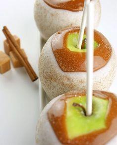 Apple Pie Caramel Apples from Miss CandiQuik | Fabulous Fall Treats!