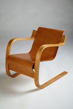 Armchair, 1940-1949, by Alvar Aalto