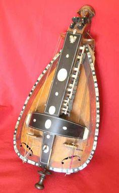 Instrumentos musicales antiguos instrumentos musicales antiguos pinterest - Instrumentos musicales leganes ...