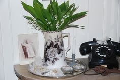 Lily of the Valey Kettle, Lily, Kitchen Appliances, Houses, Diy Kitchen Appliances, Tea Pot, Home Appliances, Lilies