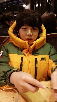 Hyun Suk, I Go Crazy, Baby Cows, Childhood Photos, Twitter Update, Yg Entertainment, Boy Groups, Treasure Boxes, Kpop
